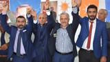Milletvekili adayı ve 25 kişi Saadet Partisi'nden istifa edip AK Parti'ye geçti