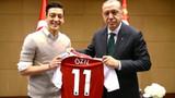 Mesut Özil: Erdoğan'la o fotoğrafı yine çektiririm