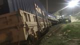 İzmir'de yük treni devrildi