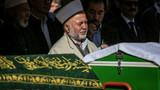 Emekli imam oğlunun ve torunun cenaze namazını kıldırdı