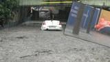 İstanbul'da sağanak! Araçlar suya gömüldü