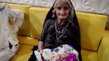 Hintli kadın 70 yaşında ilk kez anne oldu