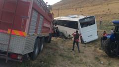 Van'da trafik kazası: Ölü ve yaralılar var