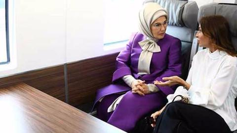 Emine Erdoğan ve Mihriban Aliyeva birlikte yolculuk yaptı