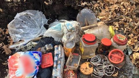 Tunceli'de 6 sığınak ile 4 bombalı tuzak ele geçirildi