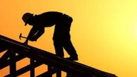 İki inşaat işçisi yaktıkları ateş sonucu yaralandı