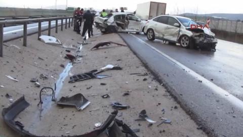 Bursa'da zincirleme trafik kazası: 2 ölü, 8 yaralı