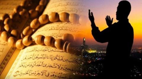 İstanbul'da Cuma namazı saat kaçta? Cuma namazında hangi dualar okunur?