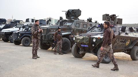 Sınırda güvenlik konvoyu kuruldu