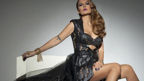 Kim Kardashian hayranları Demet Akalın'a saldırdı