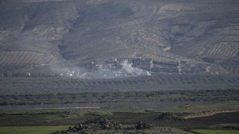 TSK, Afrin'deki mevzileri obüslerle vurdu