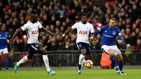Everton taraftarından Cenk Tosun'a destek
