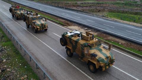 Afrin operasyonuna destek için gönderilen zırhlı araçlar Hatay'da
