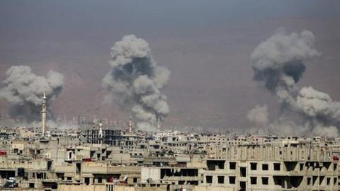 Rejim ateşkesi bozup Doğu Guta'yı havadan bombaladı