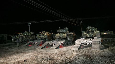"""TSK, teröristlerin Türkiye sınırıyla temasını keserek kurtarılan alandaki """"Hilal""""i tamamladı"""