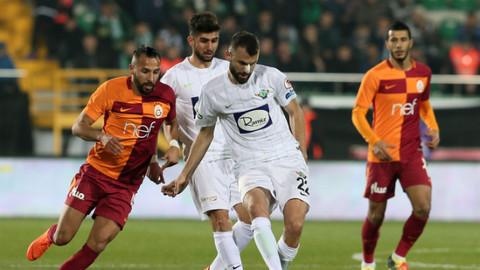 Ziraat Türkiye Kupası yarı final ilk maçında Galatasaray, Akhisarspor'u 2-1 mağlup etti