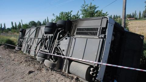 Son dakika! Yolcu otobüsü devrildi: 4 kişi öldü