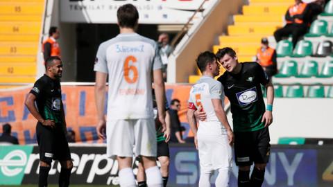 M.Başakşehir deplasmanda TM.Akhisarspor'u 2-1 mağlup etti