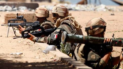 Fransız askerlerin Münbiç'te teröristlerin yanında olduğu iddia edildi