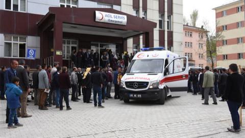 Siirt'te öğrenci servisi devrildi