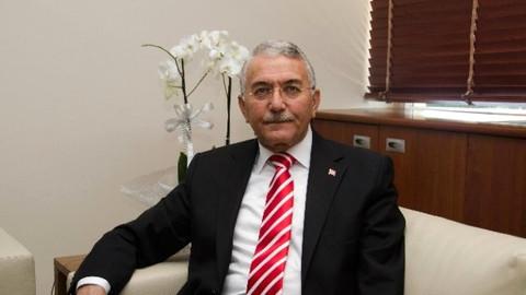 Ahmet Hakan istifa eden rektör hakkında: Çöp kadar değeri yok