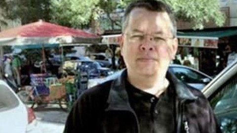 ABD'li Papaz Andrew Craig'in tutukluluk halinin devamına karar verildi