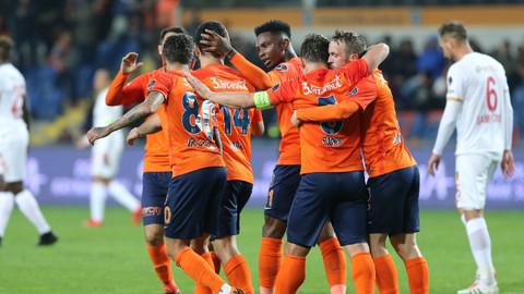 Medipol Başakşehir evinde 3 puanı 3 golle aldı