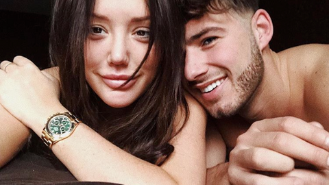Charlotte Crosby Instagram'dan sevgilisinin çıplak pozunu paylaştı