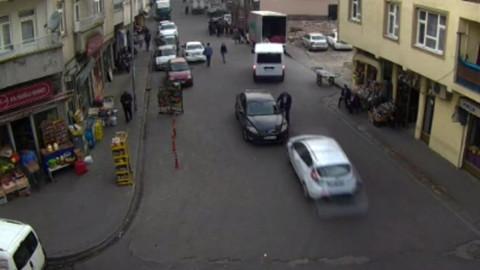 Mobese kameralarına yansıyan trafik kazaları