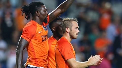 Süper Lig takımı Adebayor ve Edin Visca'ya talip