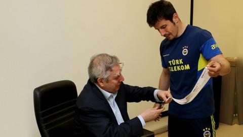 Emre'den Yıldırım'a yanıt: Fenerbahçe'ye hizmet etmek istiyorum