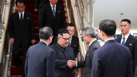Kim Jong-un ve Trump görüşme için Singapur'da