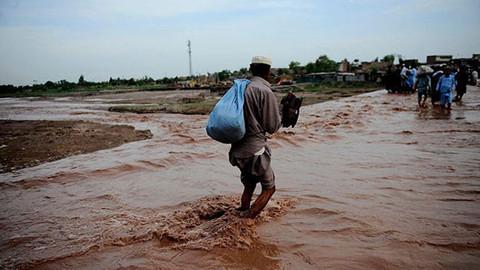 Hindistan'da aşarı yağışlar sonucu 13 kişi hayatını kaybetti