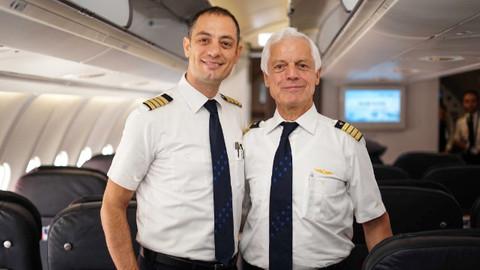 45 yıllık pilotluk kariyerini, oğluyla noktaladı