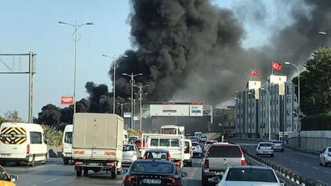 İstanbul Bayrampaşa'da otobüs yangını