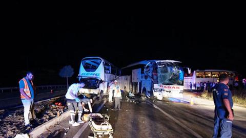 Yolcu otobüsleri çarpıştı...
