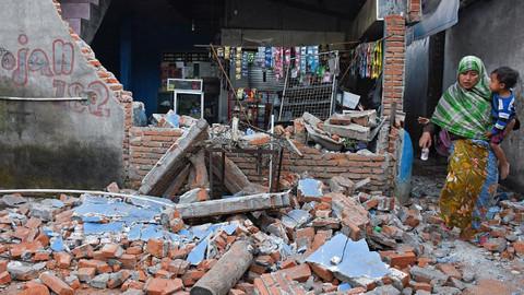 Endonezya'da 6.2 büyüklüğünde bir deprem daha