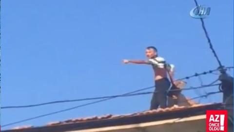 Ev sahibine kızan adam çatıya çıkıp kiremit fırlattı