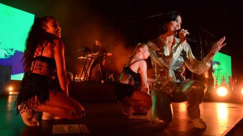 Dua Lipa Antalya'da konser verdi