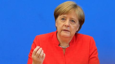 Almanya Başbakanı Merkel'den Türkiye ve dörtlü zirve açıklaması