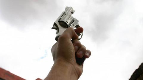 Düğünde magandanın silahla havaya ateş açması sonucu 4 kişi yaralandı