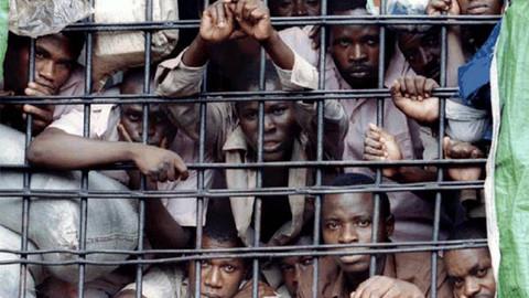 Bu cezaevinde suçlular insan eti yiyor