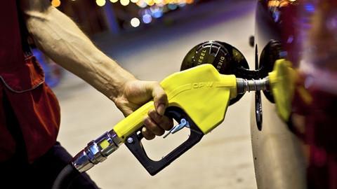 Benzin ve motorinde pazartesiyi salıya bağlayan gece indirim olacak
