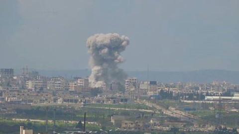 Suriye ordusu İdlib'i vurdu