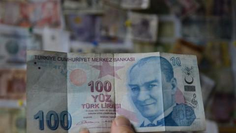 Basım hatası olan 100 TL'lik banknota paha biçilemiyor