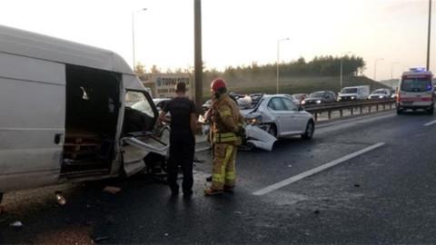 TEM'de kaza:5 yaralı