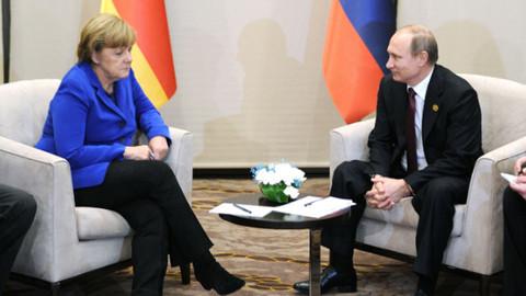 Rusya Devlet Başkanı Putin, Merkel ile Suriye meselesini görüştü