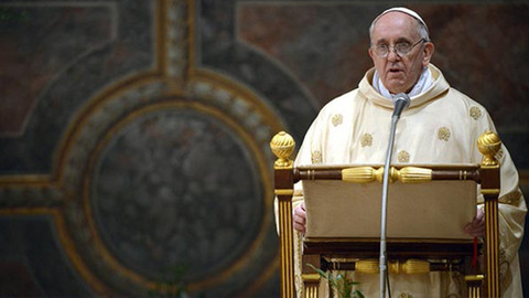 Papa'dan gence cinsel ilişki tavsiyesi