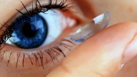 Kontakt lens körlüğe neden olabilir