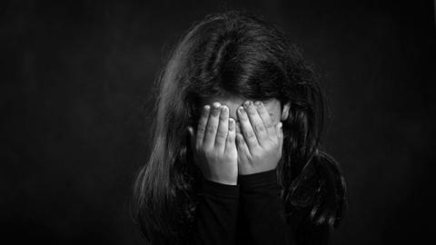 Baba 5 yaşındaki kızlarını taciz etti